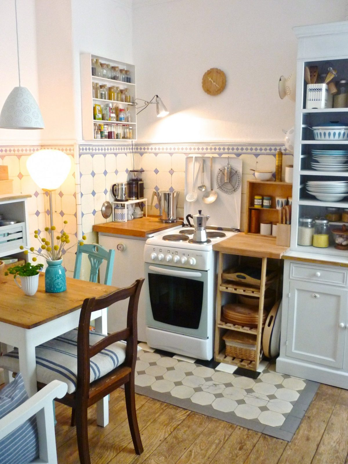 Schmale Küche Einrichten Best Of Kleine Küche Mit Essplatz Wm04 von Schmale Küche Mit Essplatz Bild