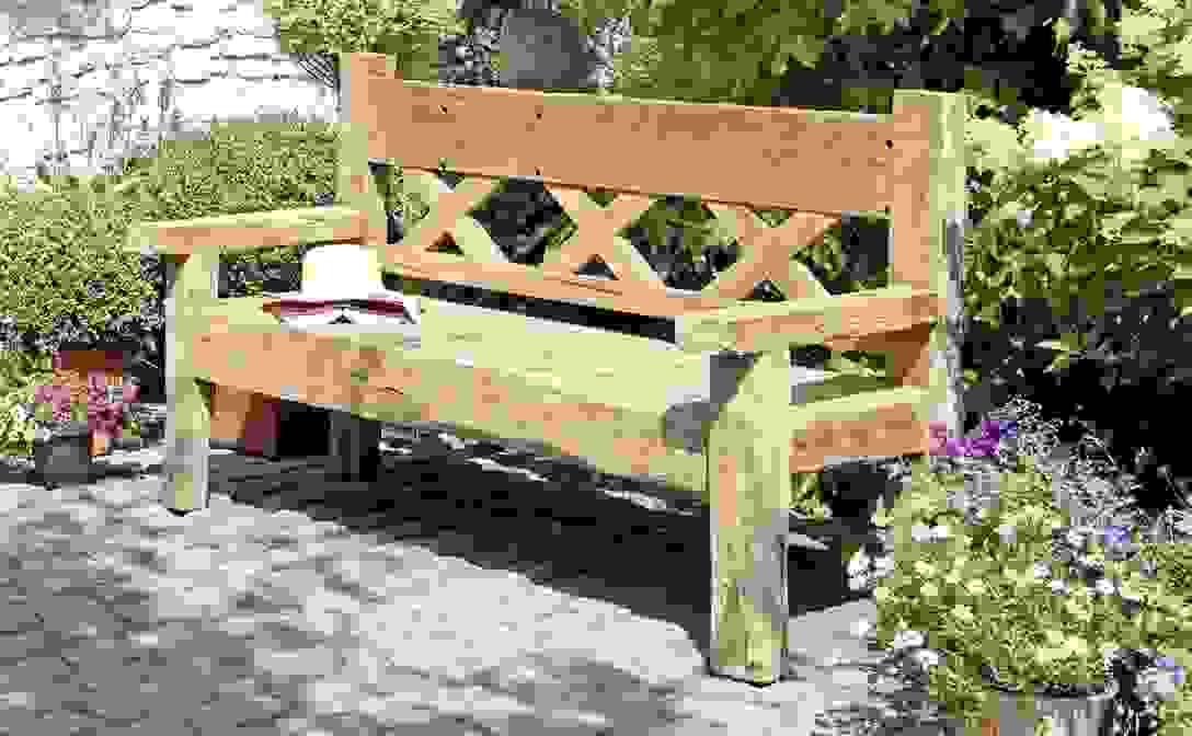Schön Gartenbank Holz Rustikal Zum Gartenbank Rustikal Von von Rustikale Gartenbank Aus Baumstämmen Bild