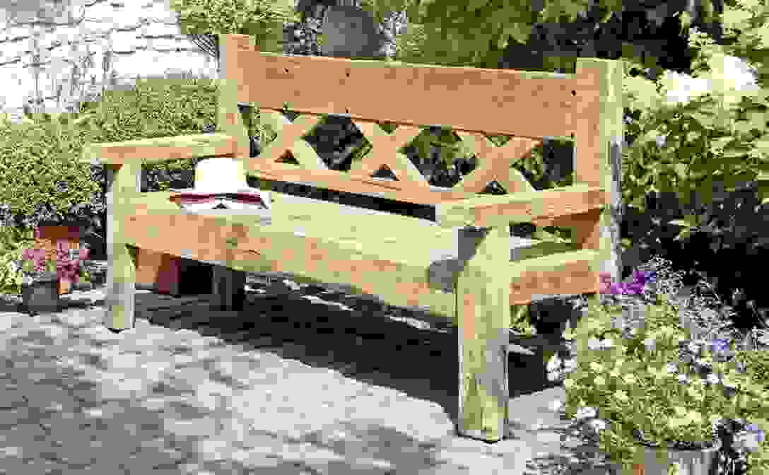 Schön Gartenbank Holz Rustikal Zum Gartenbank Rustikal Von von Rustikale Gartenbank Aus Holz Bild
