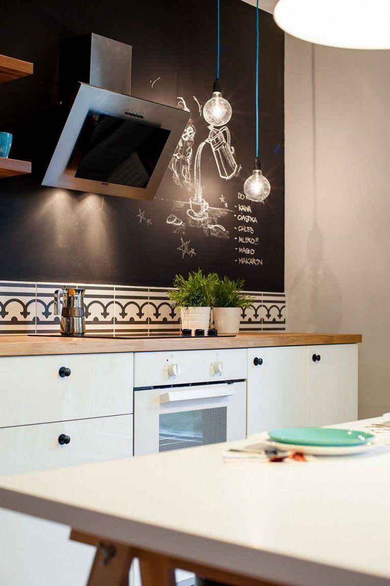 Schwarze Wände Als Coole Wand Streich Idee Für Kleine Küche Weiß von Wände Streichen Ideen Küche Photo