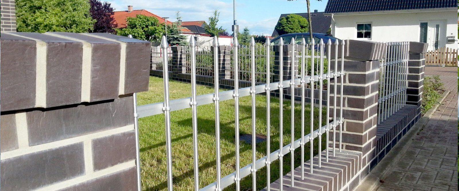 Selbstbauzäune  Zaun Selber Bauen  Seiler Zaun Design von Gartenzaun Selber Bauen Metall Photo