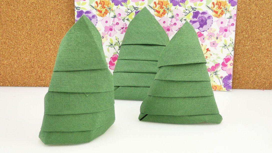 Serviette Falten Für Weihnachten  Tannenbaum Servietten  Tolle von Serviette Als Tannenbaum Falten Bild