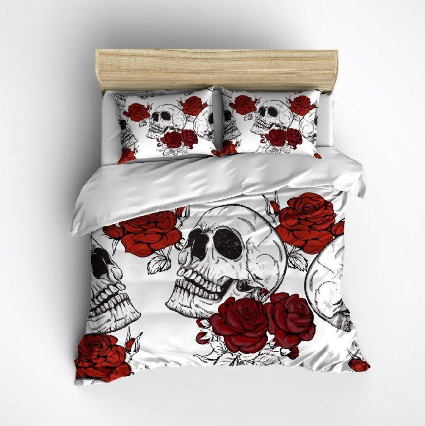 Shades Of Red Rose And White Skull Bedding von Bettwäsche Totenkopf Motiv Photo