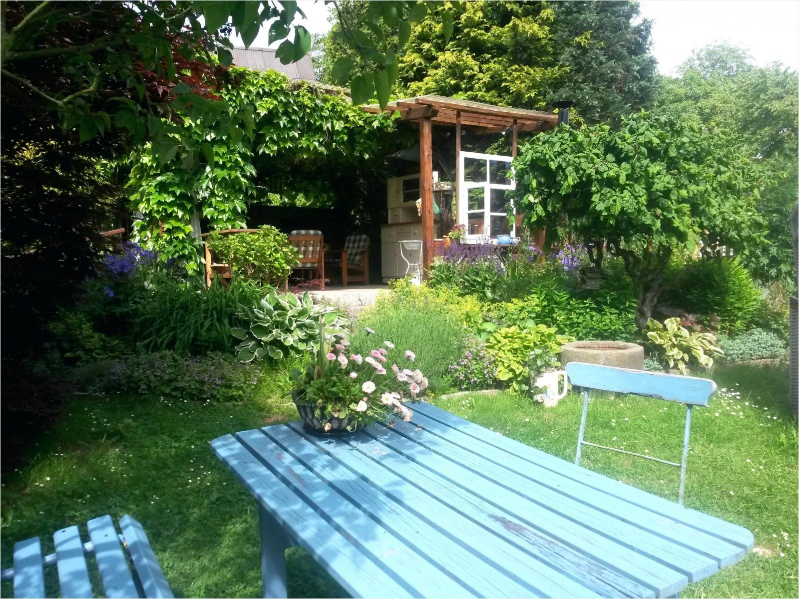 Sitzecke Garten Holz Gartenpavillon Aus Mit Gema 1 4 Tlicher Selber von Sitzecke Garten Selber Bauen Bild