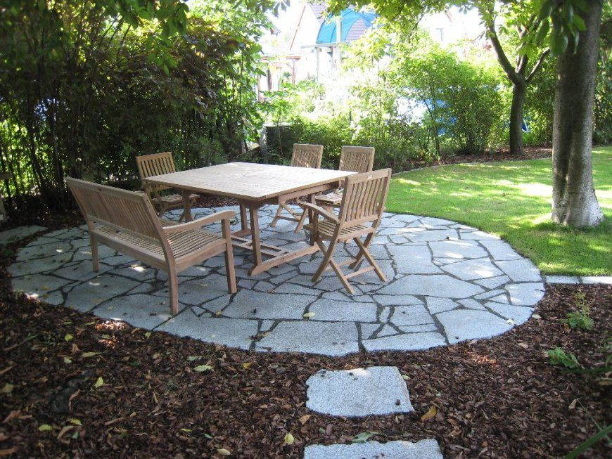 Sitzplatz Garten Gestalten  Haloring von Sitzplatz Im Garten Anlegen Bild