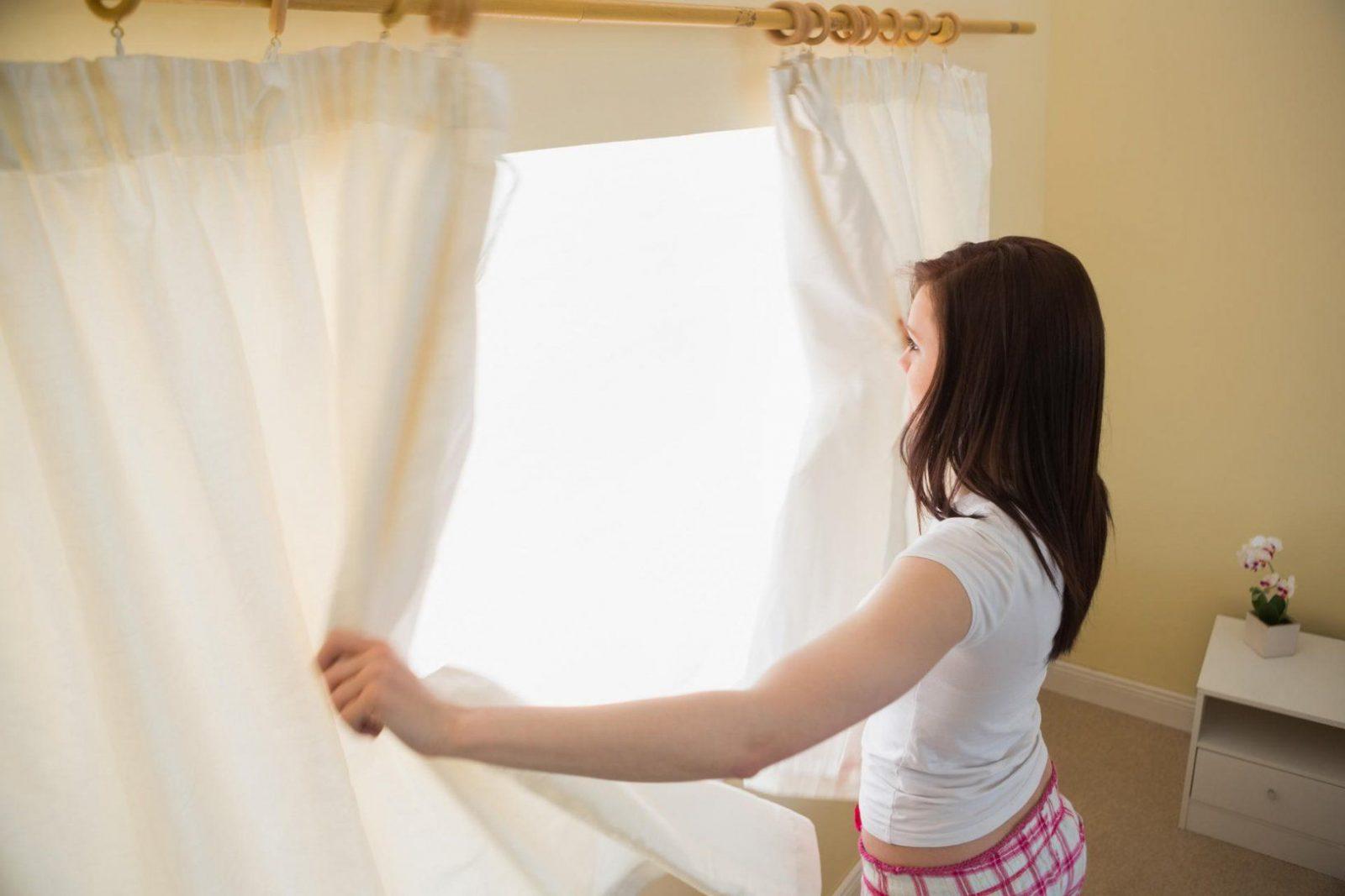 So Waschen Und Pflegen Sie Ihre Gardinen Richtig von Gardinen Waschen Waschprogramm Bild