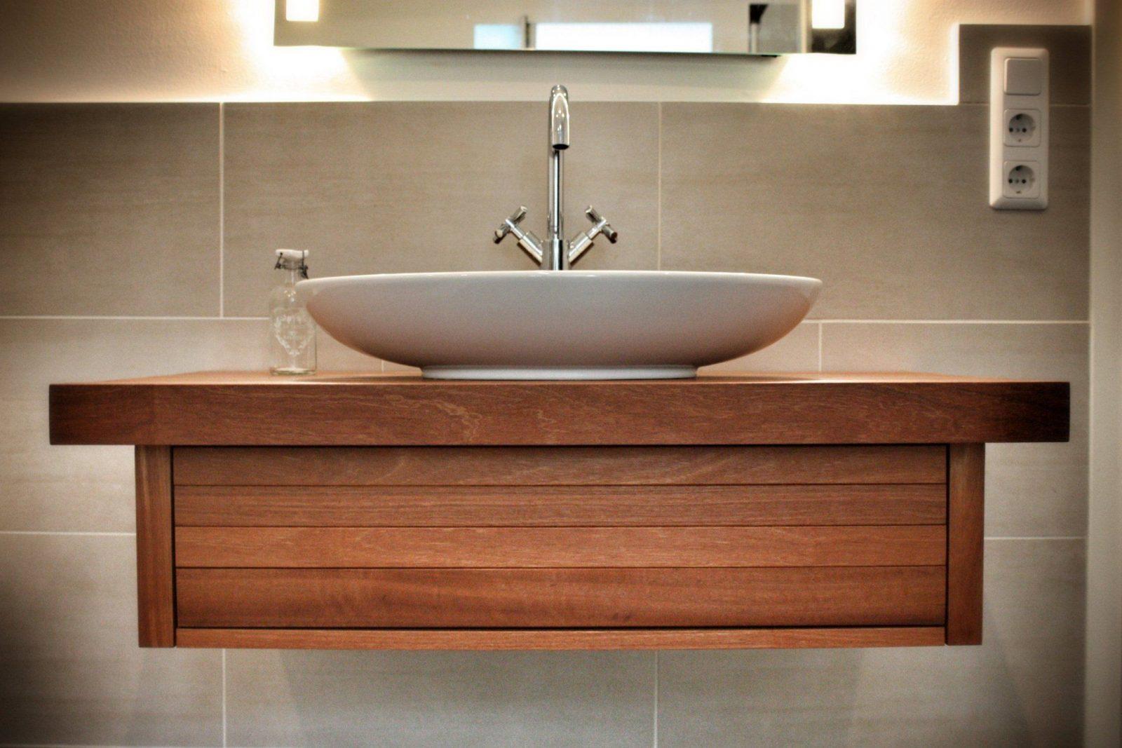 Solids M1 Saint George Waschtisch Aus Holz  Waschbeckenunterschrank von Waschtisch Holz Mit Aufsatzwaschbecken Photo