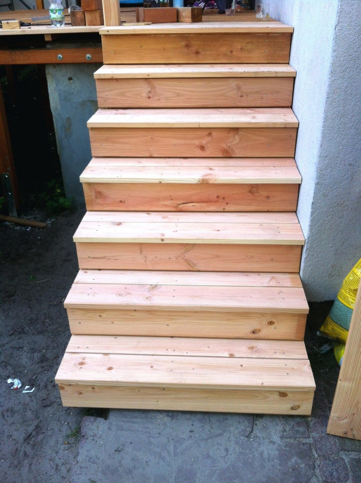 Spannende Geländer Holz Selber Bauen Holztreppe Selber Bauen Bauplan von Kleine Holztreppe Selber Bauen Bild