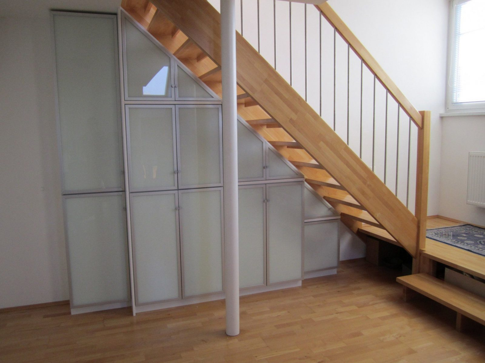 spannende schrank unter offener treppe selber bauen schrank unter