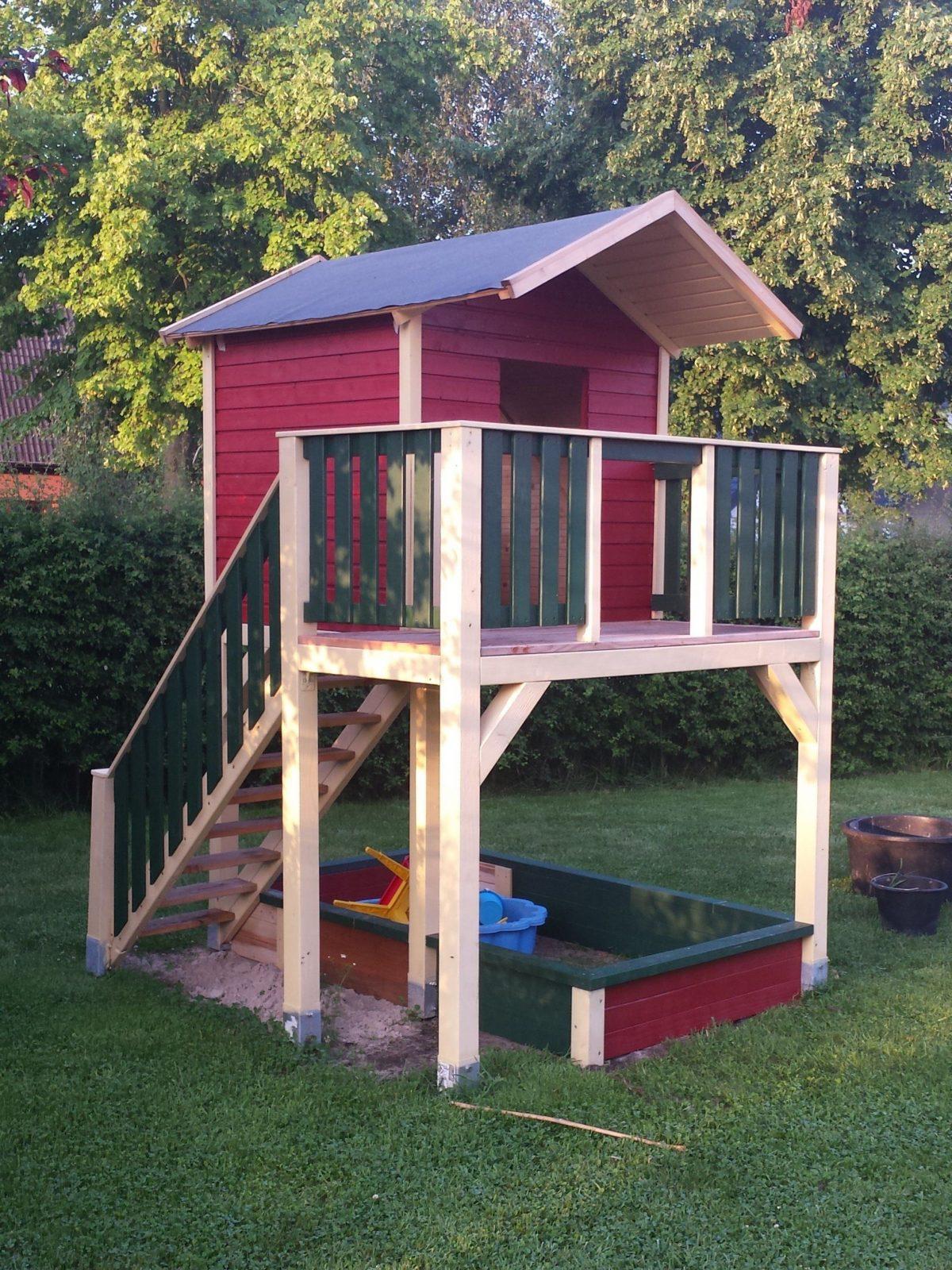 Spielturm Mit Treppe Bauanleitung Zum Selber Bauen  Playhouse von Bauanleitung Spielturm Selber Bauen Bild