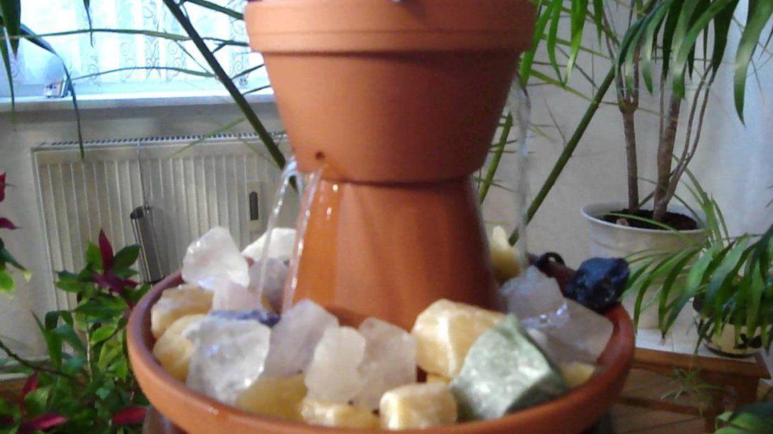 Springbrunnen Selber Bauen Aus Tontöpfen  Raumbefeuchter Diy von Kleinen Brunnen Selber Bauen Bild