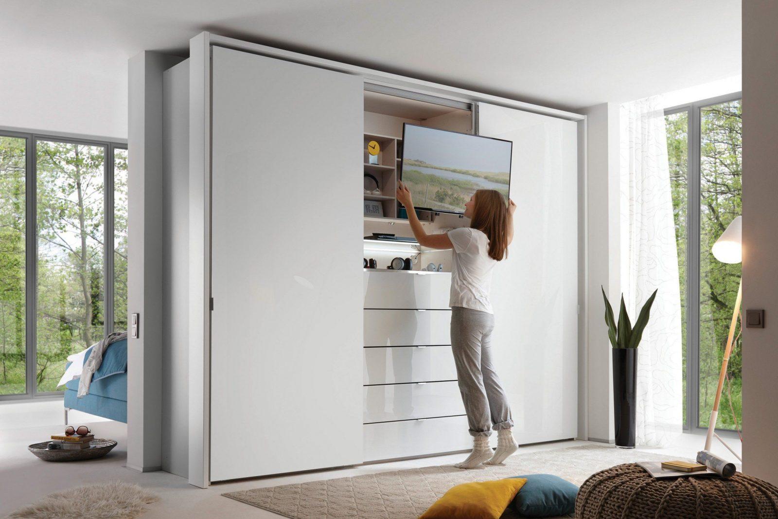 Staud Media Kleiderschrank Alpinweiß  Möbel Letz  Ihr Onlineshop von Schrank Mit Tv Fach Bild