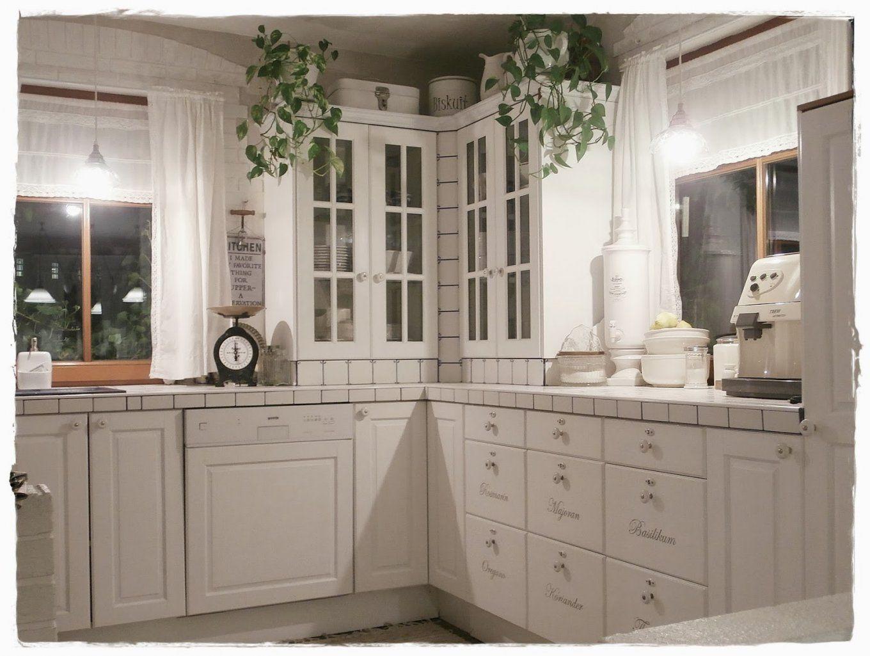 Stilvolle Dunkle Möbel Weiß Streichen Weisse Mbel Landhaus Mehr von Dunkle Möbel Weiß Streichen Bild