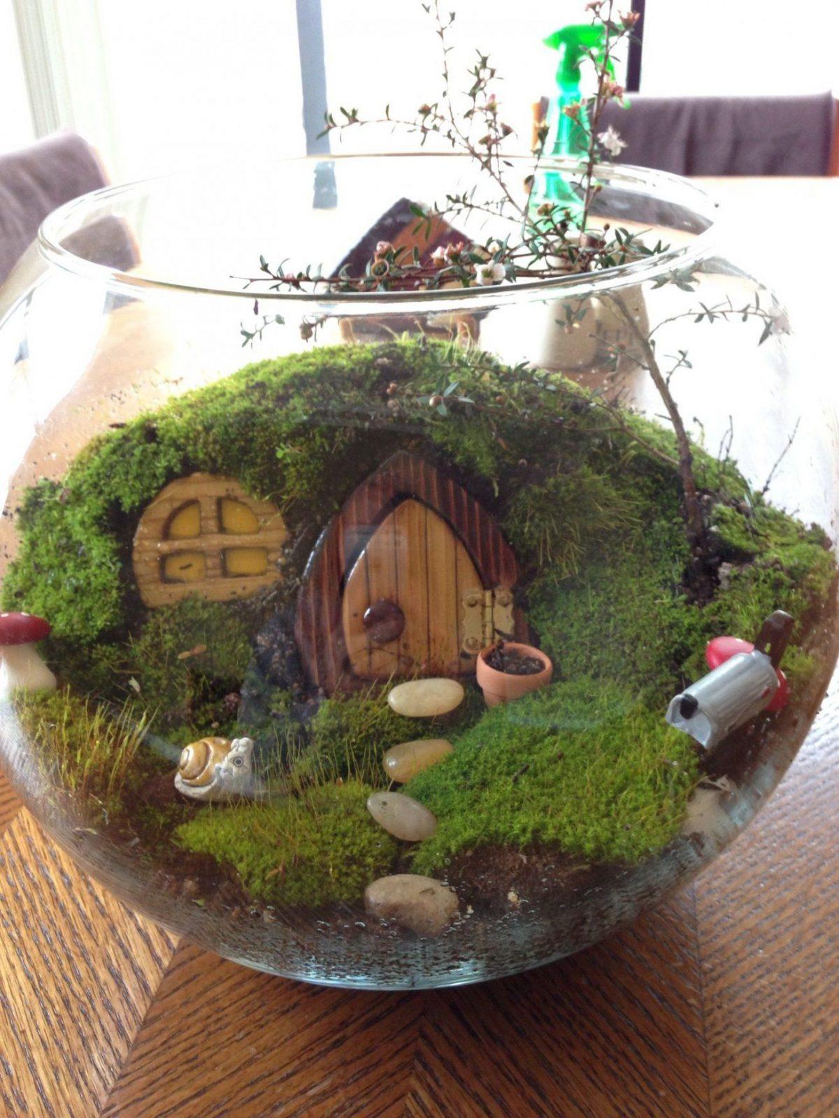 "The ""hobitat"" (Hobbit Terrarium) …  Pinteres… von Herr Der Ringe Deko Photo"