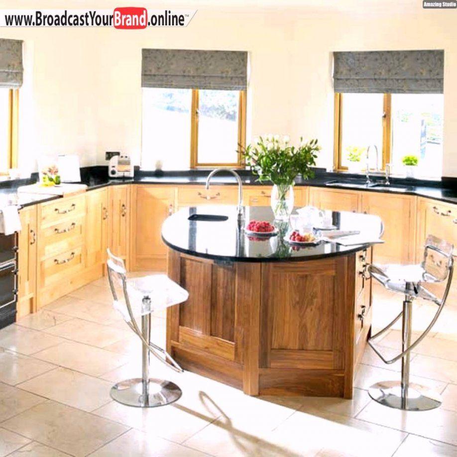 Tipps Ideen Küchenfenster Kochinsel Gardinen Essplatz Holzschränke von Küchenfenster Gardinen Ideen Bild