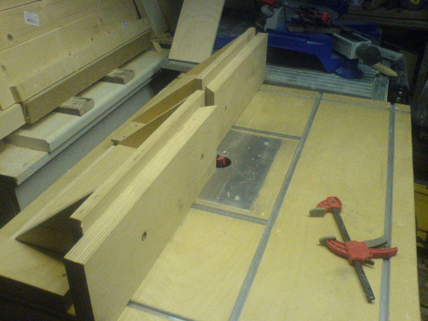 Tisch Für Die Oberfräse Bauanleitung Zum Selber Bauen  Oberfräse von Oberfräse Zubehör Selber Bauen Bild