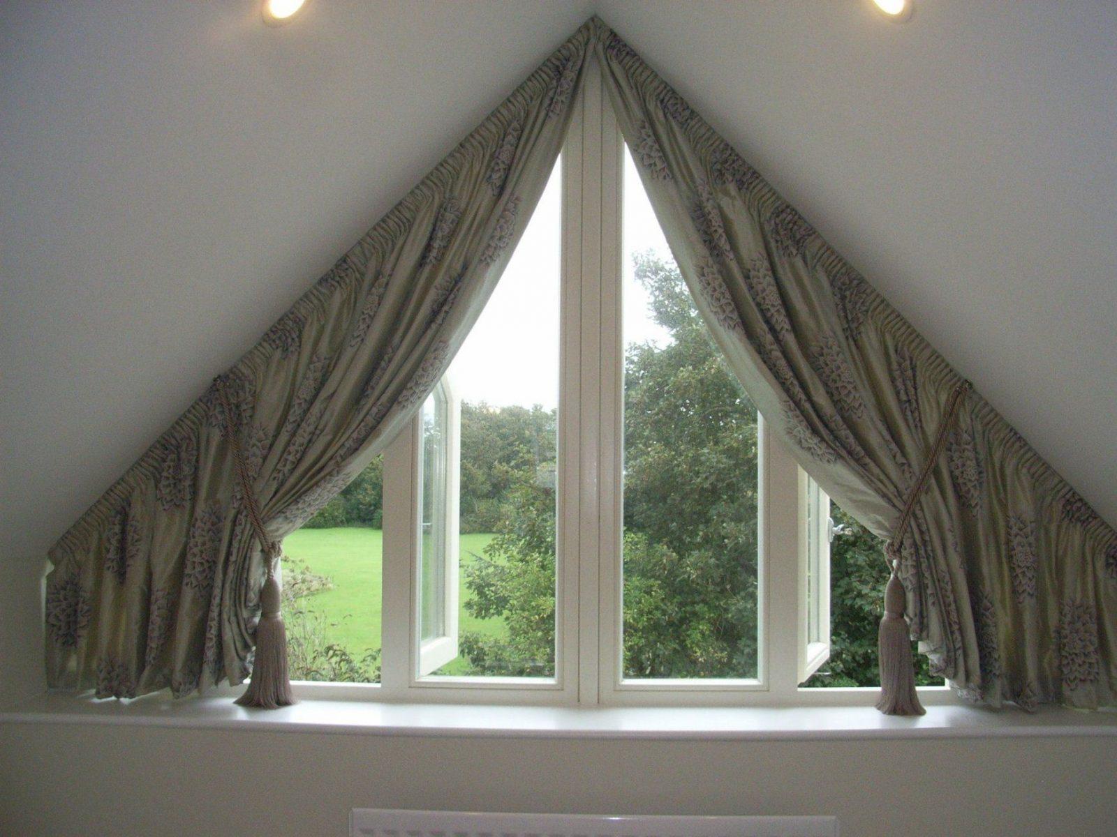 Tolle Ideen Wie Sie Ihr Dreiecksfenster Verdunkeln  Gardinen von Gardinen Für Dreiecksfenster Selber Nähen Photo