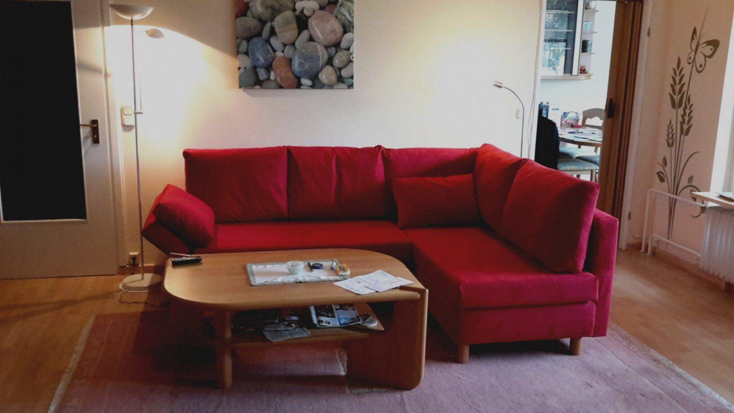 Trend Wohnzimmer Mit Rotem Sofa Möbel Bernskötter Mülheim Räume von Rote Couch Welche Wandfarbe Photo