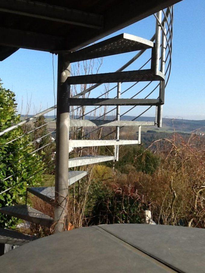 Treppe Als Verbindung Zwischen Balkon Und Garten  Mein Schöner von Treppe Vom Balkon In Den Garten Photo