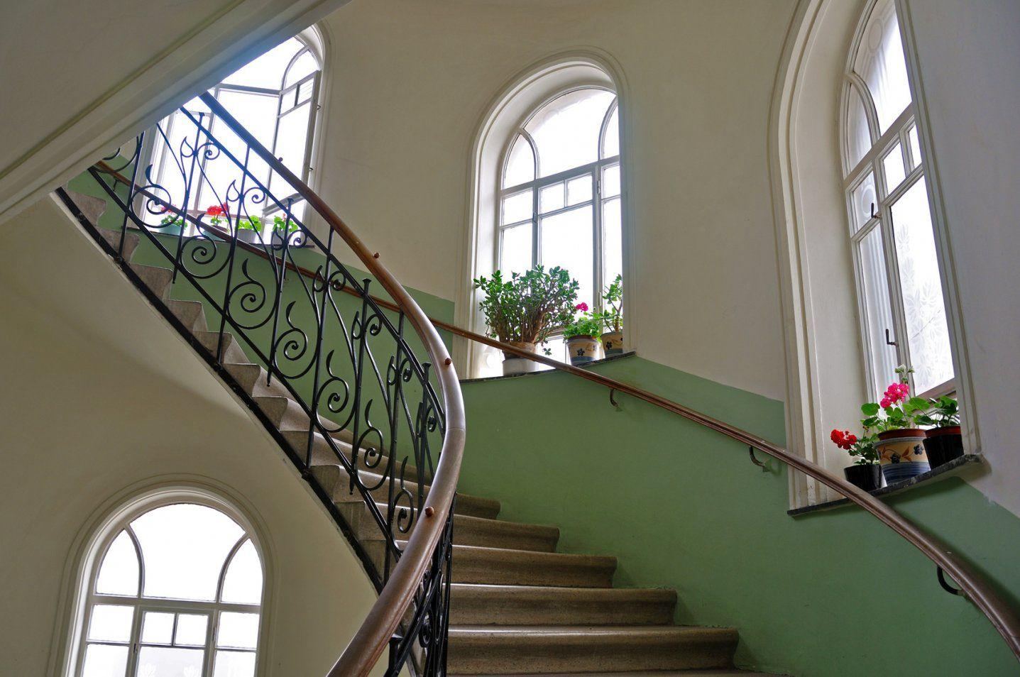 Treppenhaus Streichen – Vom Stiefkind Zum Besucherliebling von Treppenhaus Streichen Welche Farbe Bild