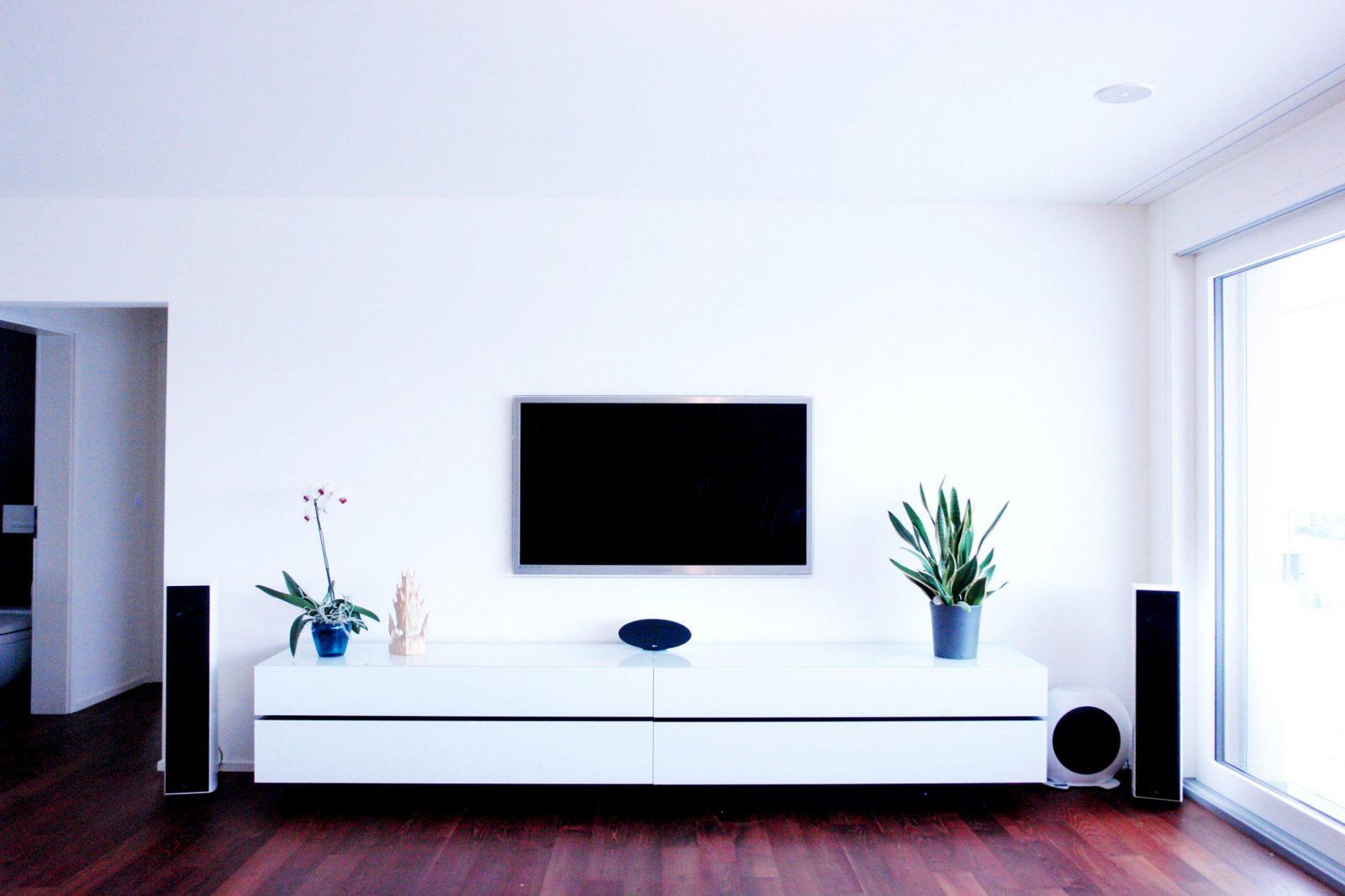 Tv Aufhängen Kabel Verstecken Zu Schön Haus Planen  Tgdarkly von Tv Aufhängen Kabel Verstecken Bild