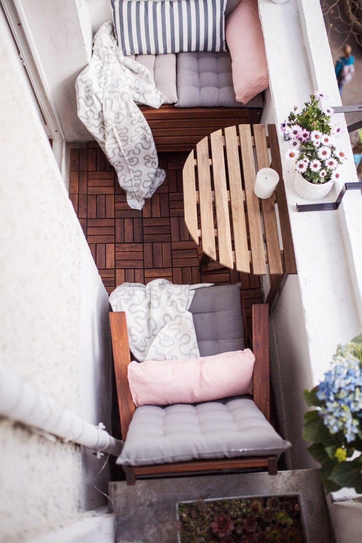 Unser Kleiner Minibalkon Tipps Einrichten Staufläche  Balconies von Kleinen Balkon Gemütlich Gestalten Bild