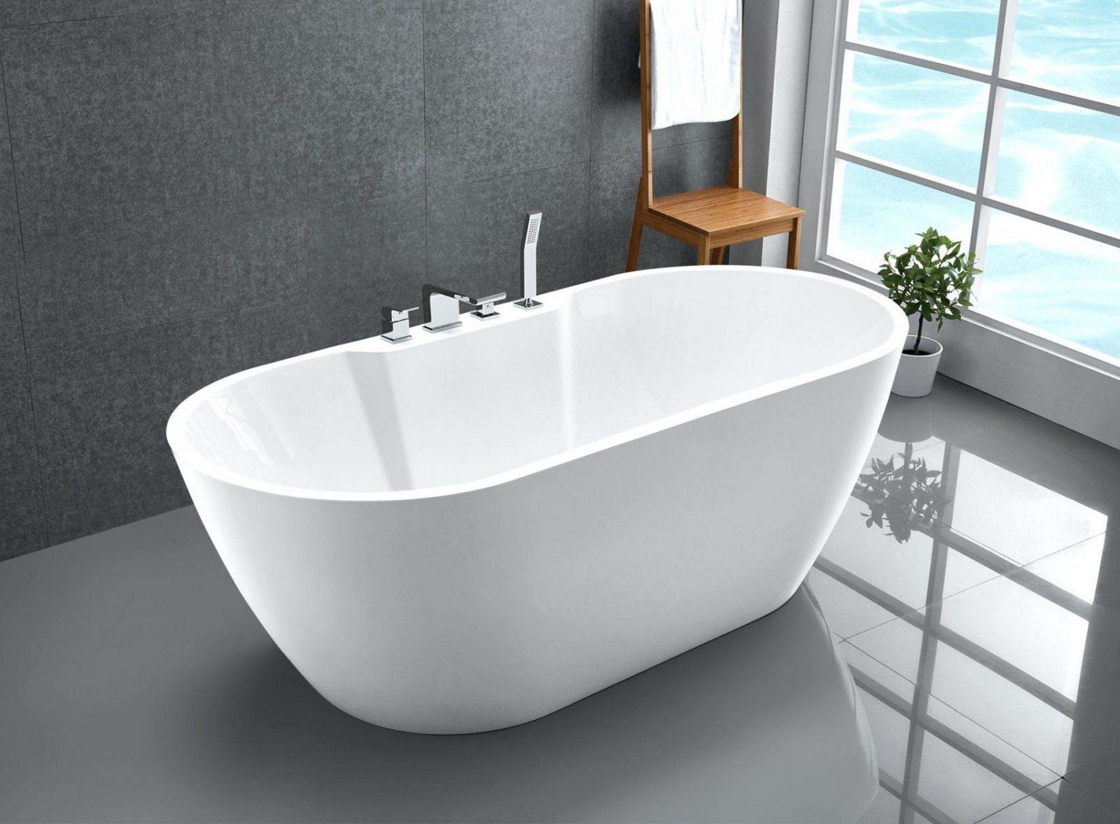 badezimmer badewannen expertentipps von badewanne mit integrierter armatur bild haus design ideen. Black Bedroom Furniture Sets. Home Design Ideas