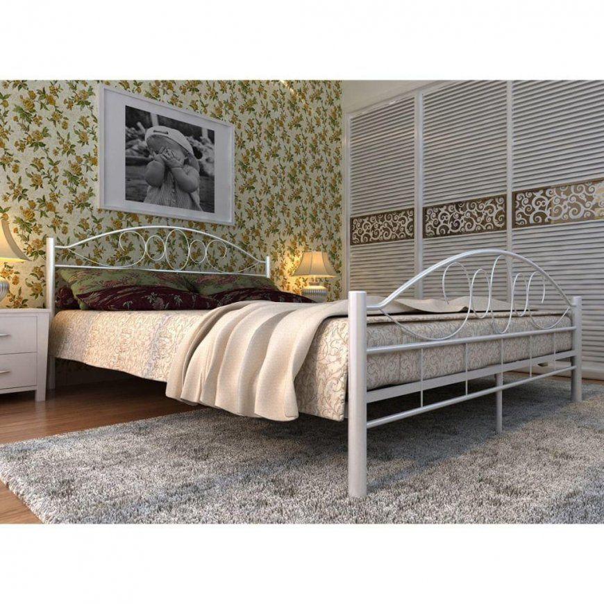 Vidaxl Metallbett Doppelbett Mit Lattenrost Weiß  Real von Real Matratze 140X200 Bild