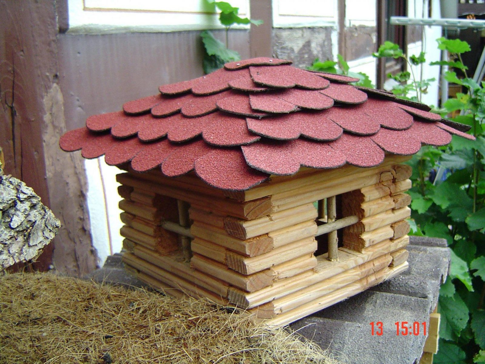 Vogelhauschen Bauen Vogelhaus Blockhaus Fa 1 4 R Vagel Bauanleitung von Blockhaus Selber Bauen Anleitung Photo