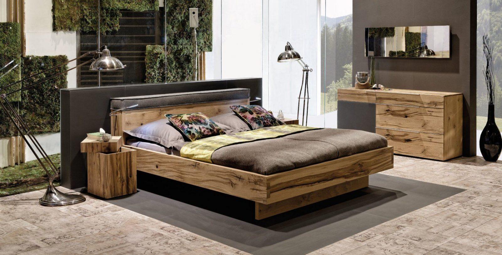 Vpur – Schlafzimmernaturholzmöbel In Eiche Altholz von Voglauer Bett V Pur Bild