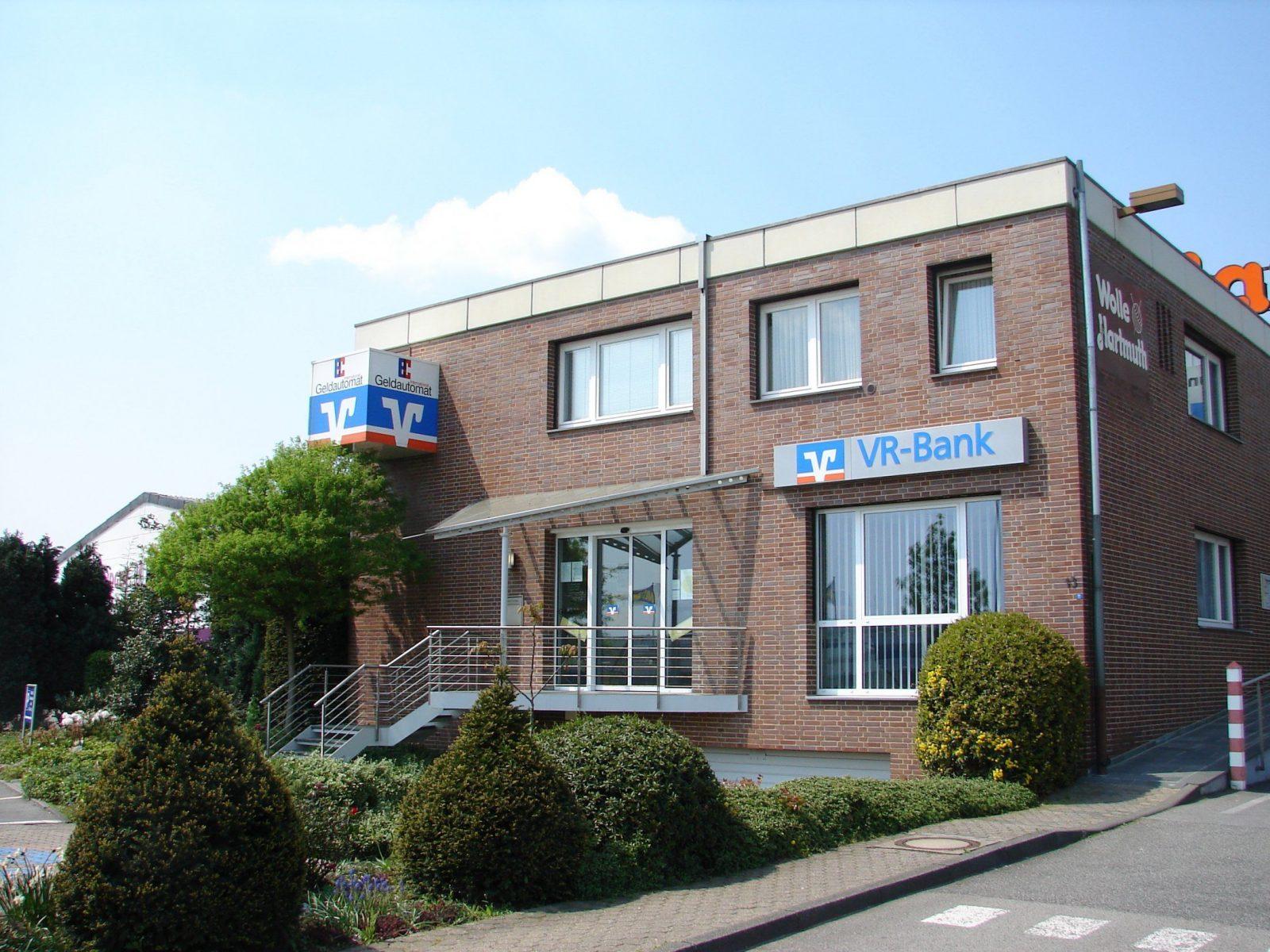 Vrbank Eg  Region Aachen Geldautomat Aachner Kreuz  Banken von Vr Bank Eg Region Aachen Hauptstelle Würselen Photo
