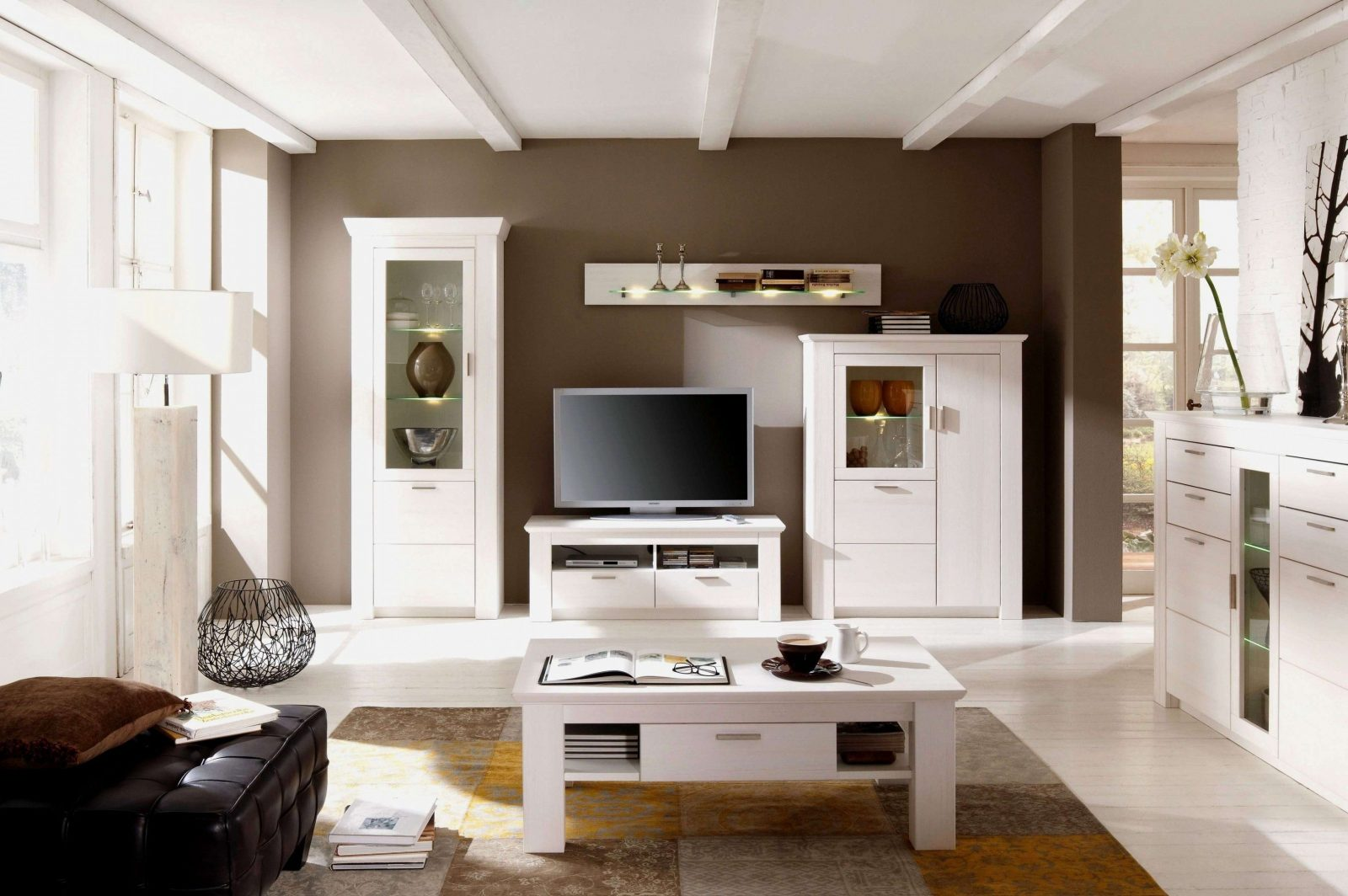 Fantastische ideen wandfarbe wohnzimmer dunkle m bel und - Dunkle mobel aufhellen ...