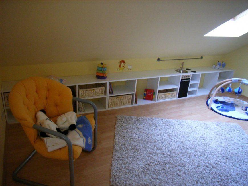 Wandgestaltung Dachschräge Kinderzimmer Mit Kinderzimmer Mit Schräge von Farbgestaltung Kinderzimmer Mit Dachschräge Bild