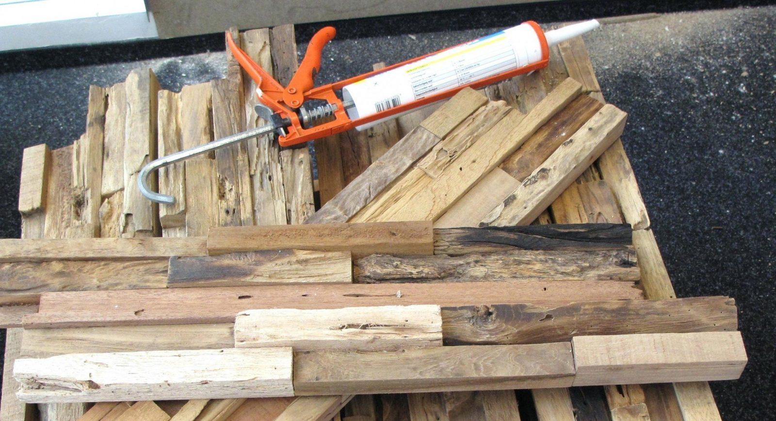 Wandverkleidung Holz Selber Bauen Schwarze Als Tv Wand Hier Sind Aus von Holz Wandverkleidung Selber Machen Bild