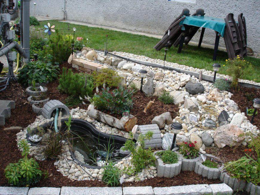 Kleiner wasserlauf im garten haus design ideen - Gartenteich mit bachlauf anlegen ...