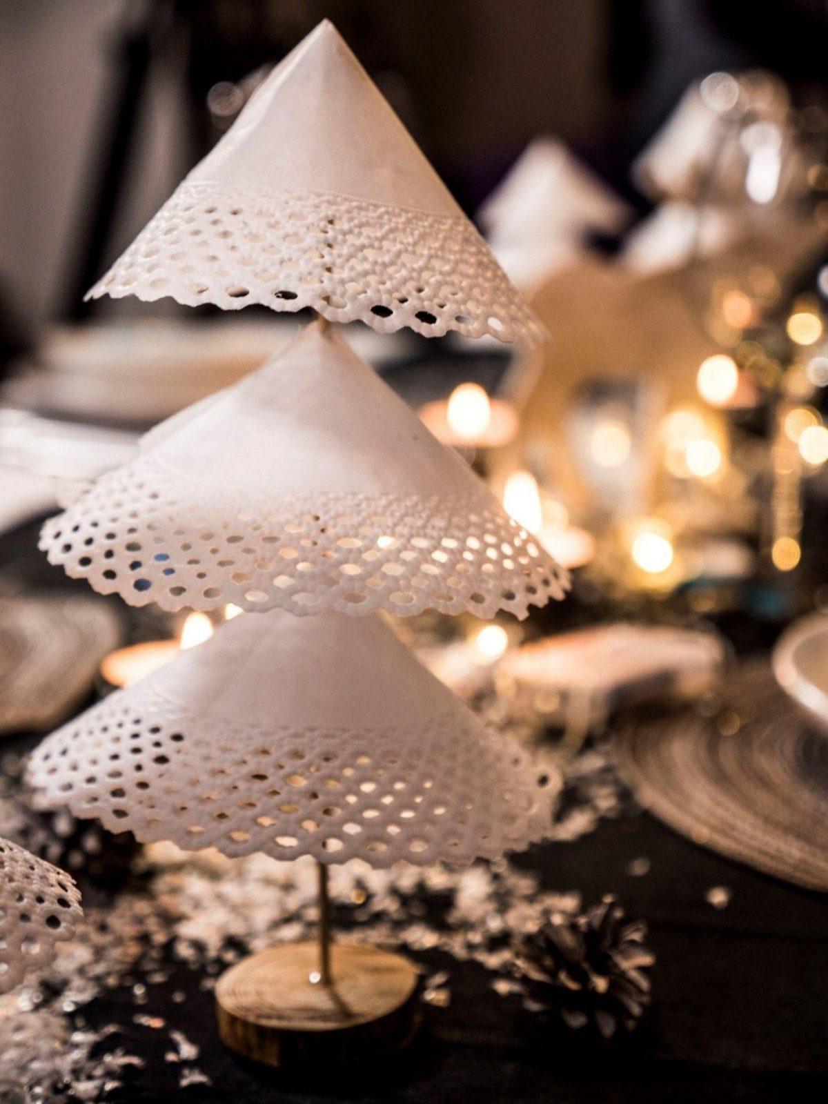 Weihnachtliche Tischdeko Selber Basteln  Schrittfürschrittanleitung von Tischdeko Weihnachten Selber Basteln Bild
