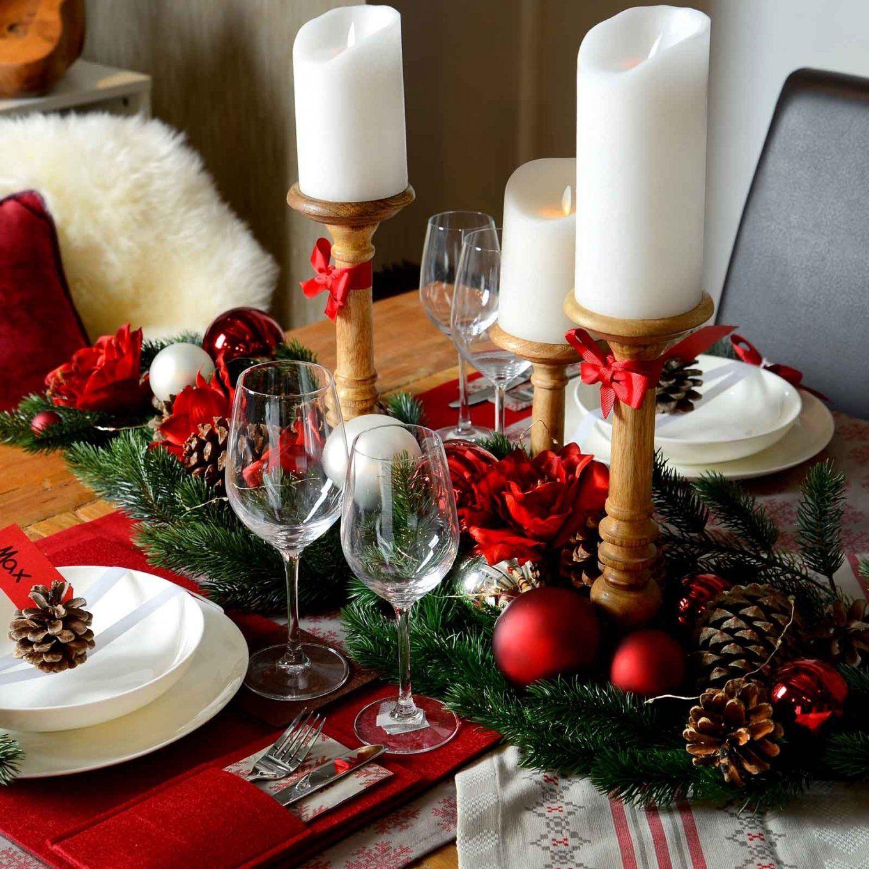Weihnachtliche Tischdekoration Im Romantischerot Look Weihnachten von Tischdekoration Weihnachten Selber Basteln Photo