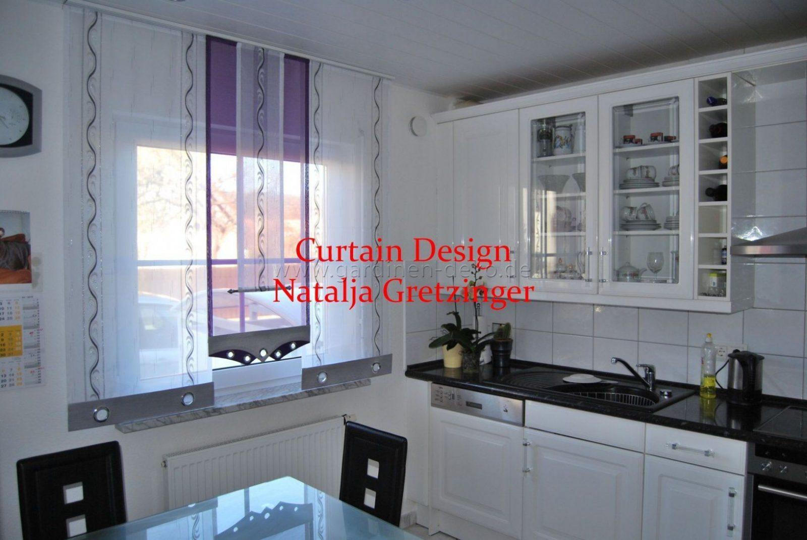 Weißgrauer Schiebevorhang Mit Mittelteil In Lila  Httpwww von Gardinen Lila Weiß Photo