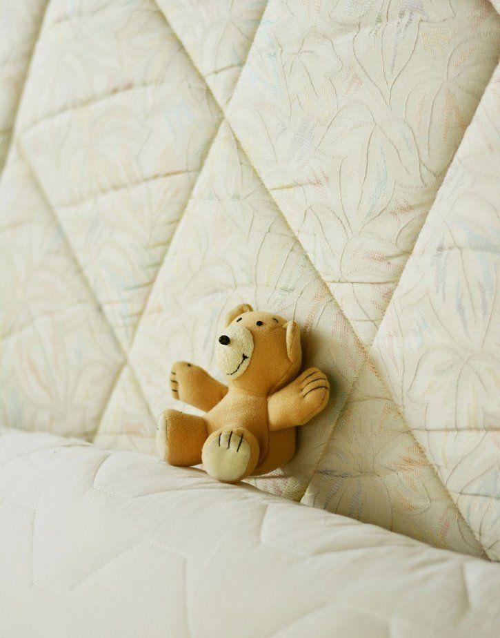 blut aus der matratze entfernen my greenday de. Black Bedroom Furniture Sets. Home Design Ideas