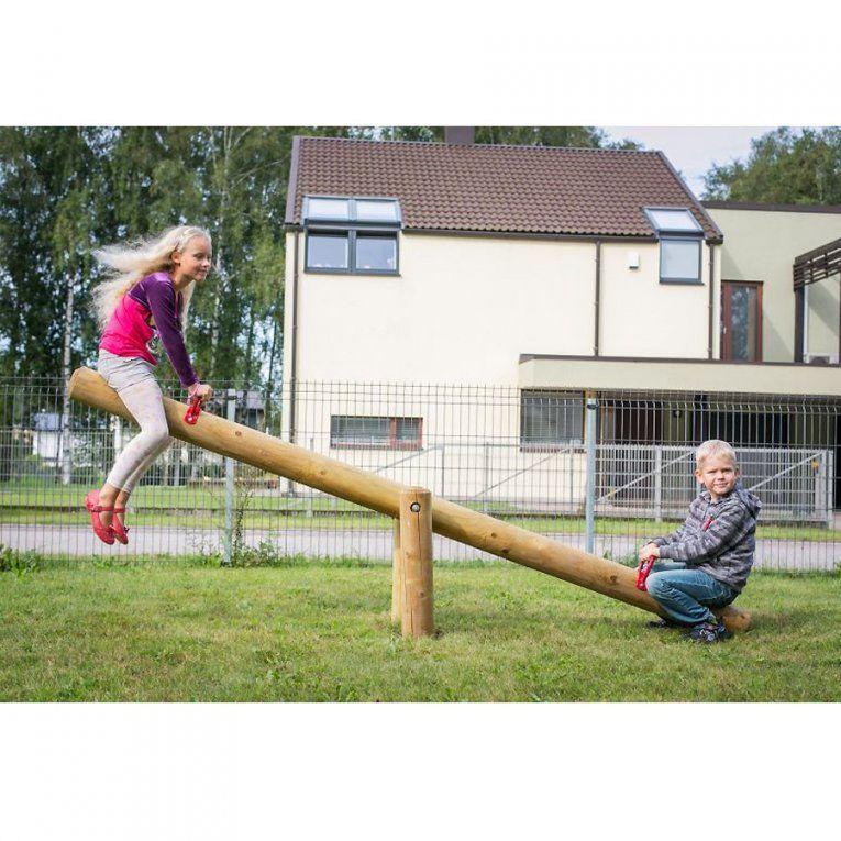 Wippe Aus Holz Für Kinder Im Garten Holzwippe Gartenwippe von Spielgeräte Garten Selber Bauen Photo