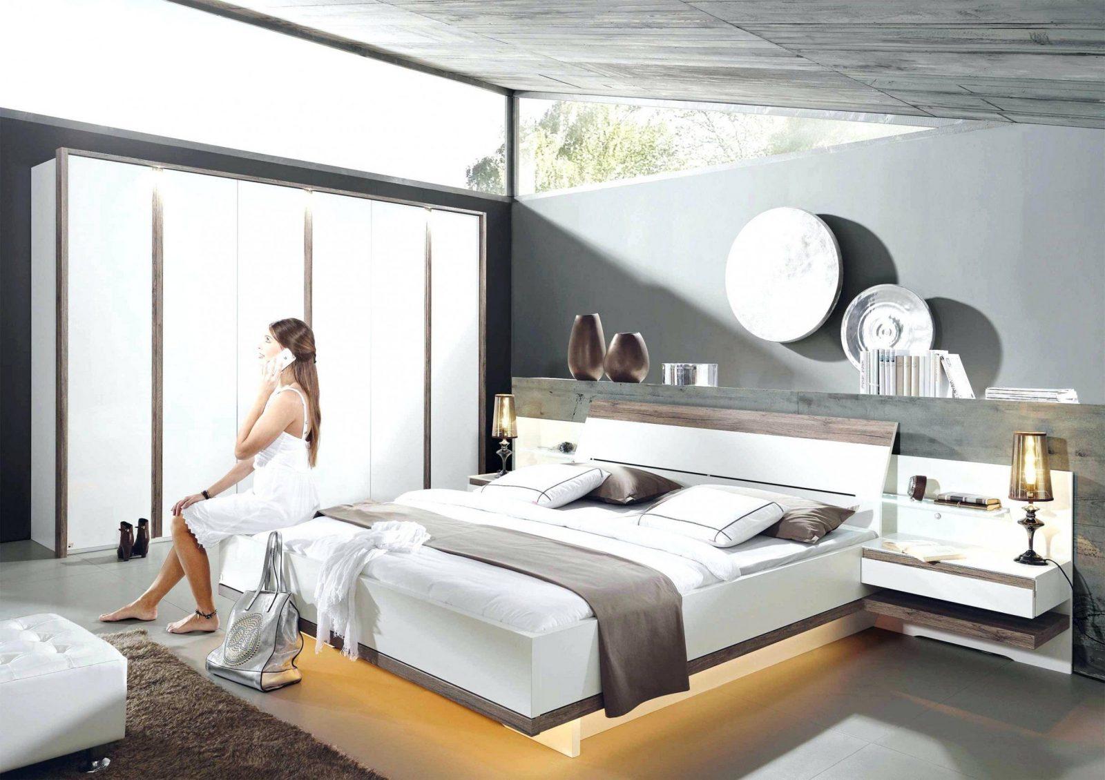 Wohnideen  Bett Im Wohnzimmer Ideen Mit Frisch Designer Bett Holz von Bett Im Wohnzimmer Ideen Bild