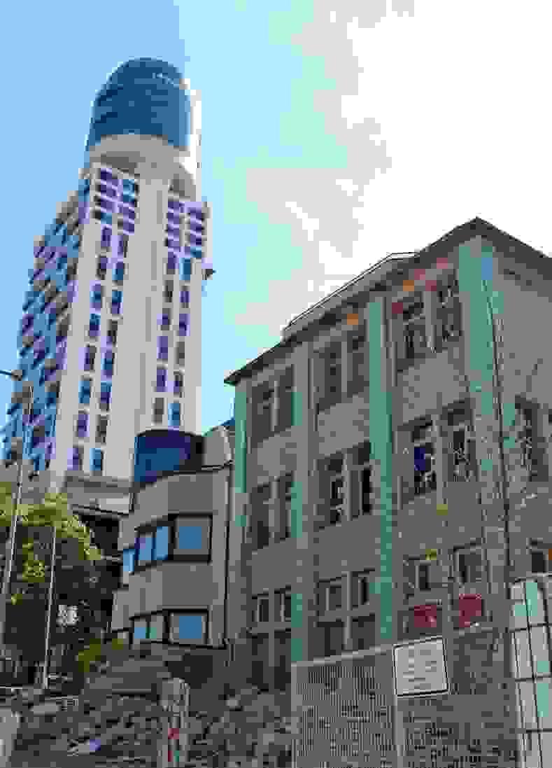 Wohnungen Rund Um Den Henninger Turm von Henninger Turm Wohnung Kaufen Photo