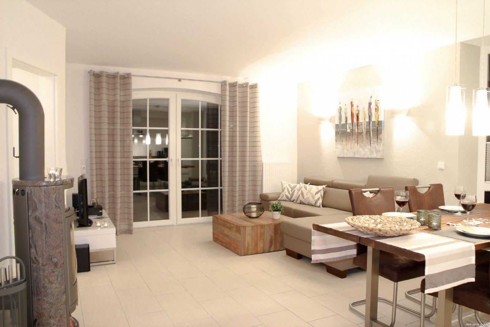 kleines wohnzimmer einrichten genial kleines wohnzimmer mit von kleines wohnzimmer mit. Black Bedroom Furniture Sets. Home Design Ideas