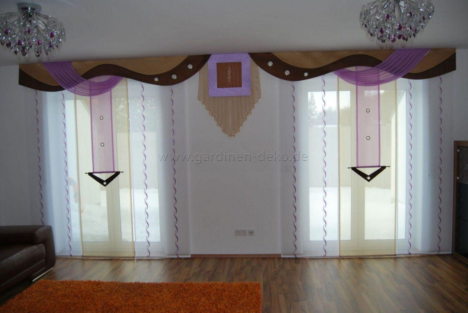 Wohnzimmer Schiebevorhang In Lilabeige Mit Braunen Bogen von Gardinen Bogen Nähen Bild