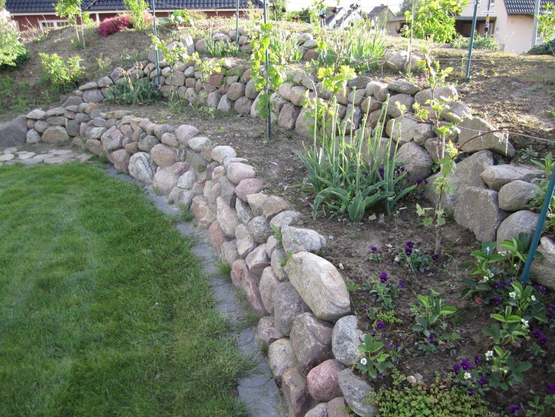 Wunderbar Gartengestaltung Am Hang Mit Steinen Steine Im Garten von Hang Mit Steinen Gestalten Photo