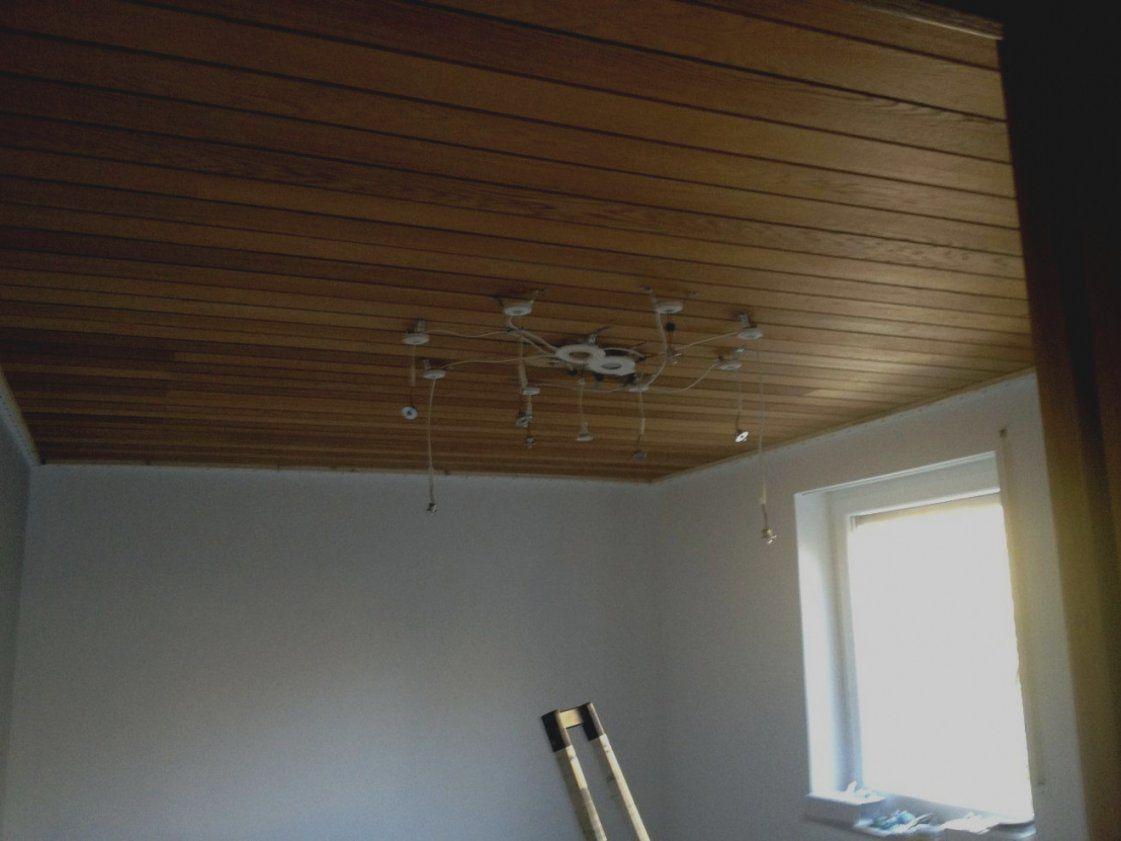 Wunderbare Dunkle Holzdecke Weis Streichen Selbst Schritt Für von Dunkle Holzdecke Weiß Streichen Bild