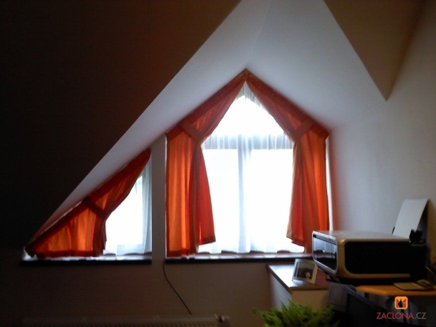 Wunderschöne Gardinen Ideen Für Schräge Fenster Hervorragend von Schräge Fenster Gardinen Photo