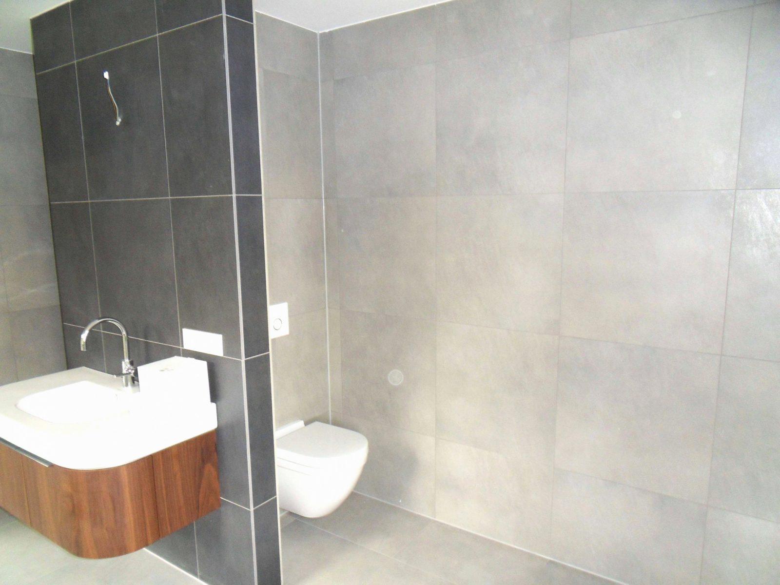 Badezimmer Ohne Fliesen Erfahrungen Badezimmer Fliesen von Badezimmer Fliesen Ausstellung Bild