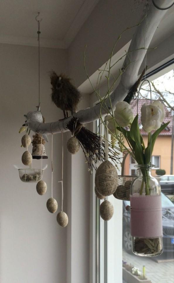 Dekoast Ostern  Wunderschön  Deko Ast Fensterdeko Ideen von Dekoration Für Fenster Bild