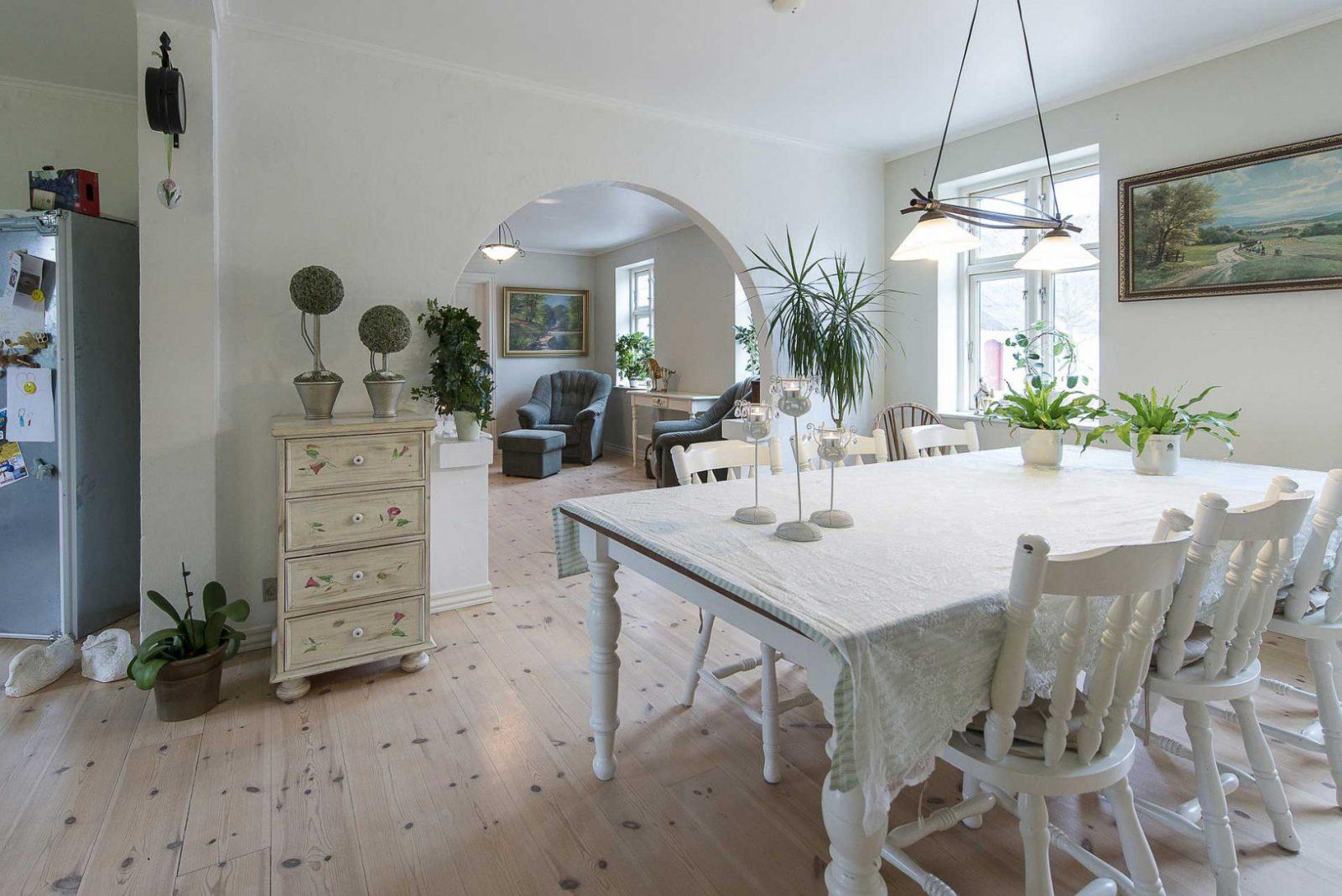 Der Landhausstil  Gemütlich Romantisch Rustikal Und Doch von Moderner Landhausstil Dekoration Bild
